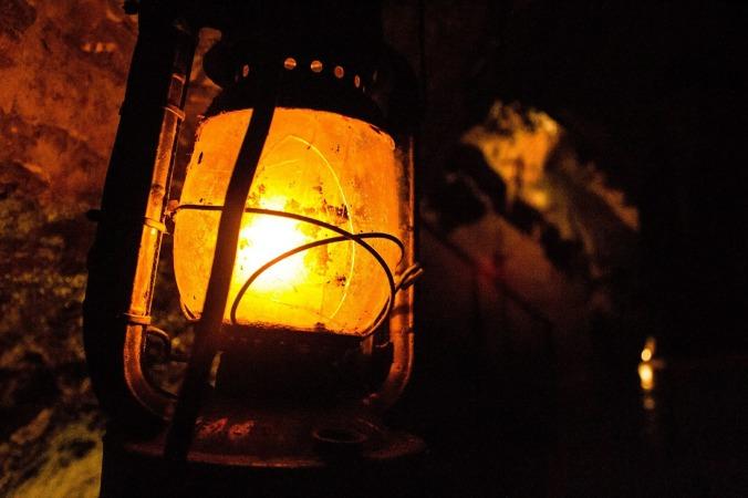 lantern-556852_1920